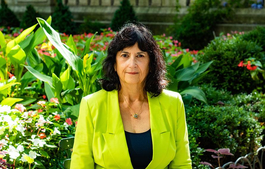 Dr. Doris Cintrón